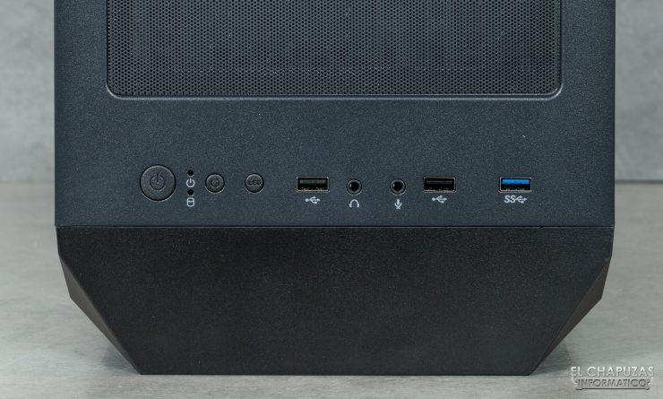 Antec NX800 - Connettori