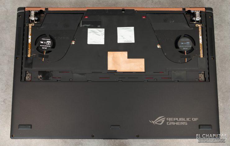 Asus ROG Zephyrus S GX701GXR - Base aperta