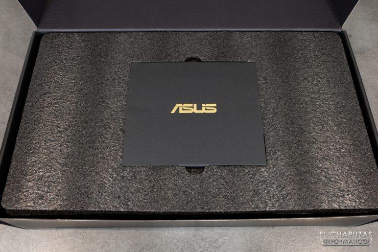 Asus ROG Strix Radeon RX 5600 XT OC - Imballaggio interno