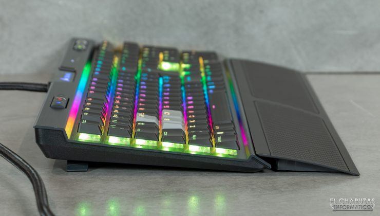 Corsair K70 RGB MK.2 Low Profile 18 740x420 20