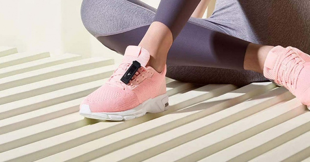 Smartband Huawei Band 4e nella sneaker