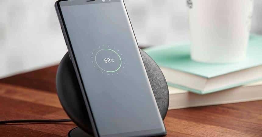 Mobile con carica della batteria