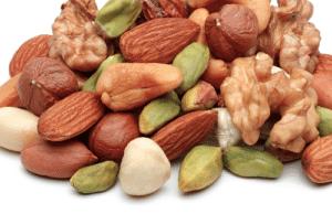 alimenti acidi nocciole e olii
