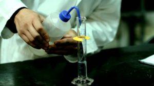 Lavorazione industriale dell'acido acetico
